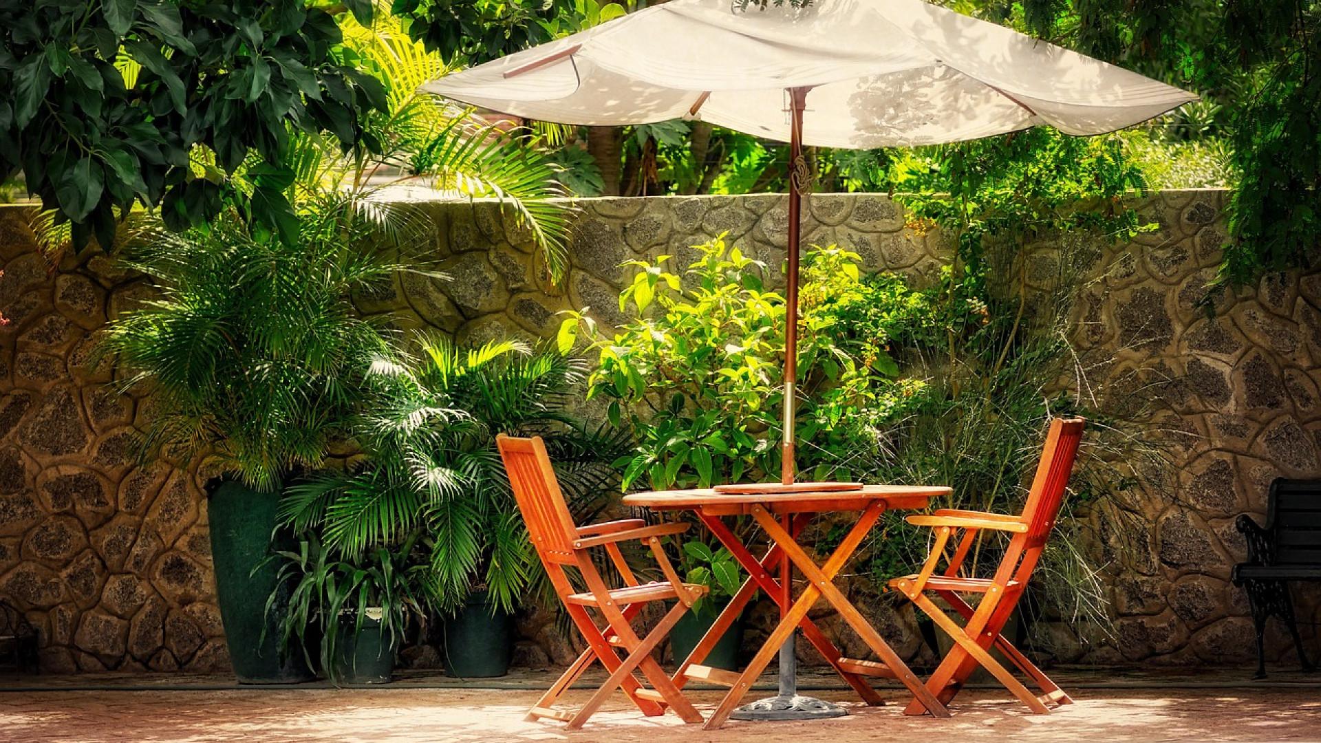 Le salon de jardin : prendre le temps de choisir - Détachez vos ...