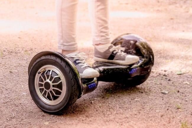 La taille de roue doit être supérieure à 6,5 pouces